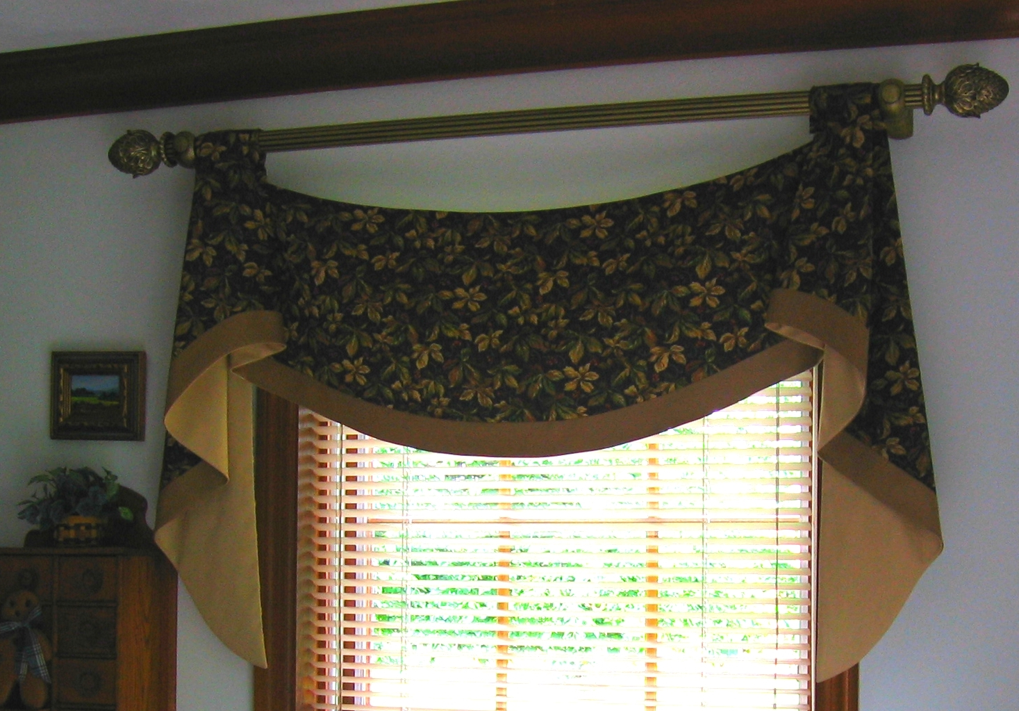 Pole Mounted Valance
