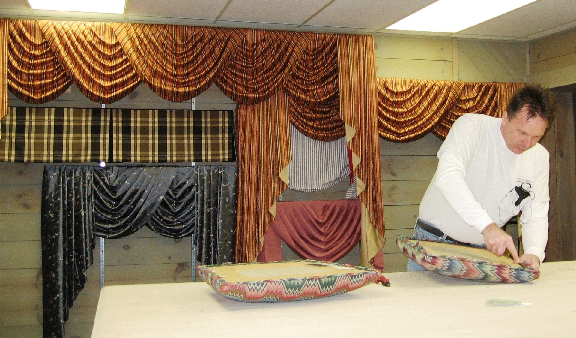 Drapery Workroom in Belleville, Il serves the St. Louis Metropolitan Area